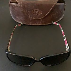 Fossil Sunglasses w/leather case